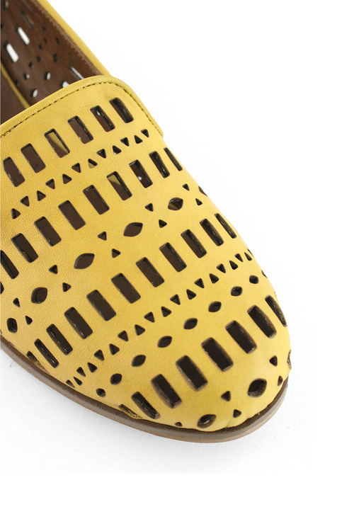 Bueno Lapis Flat Dress Shoe