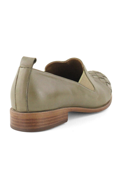 Bueno Latice Flat Dress Shoe