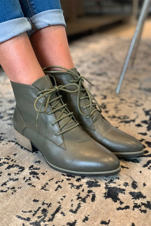 Bueno Lizzy Ankle Boot
