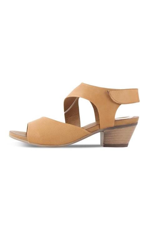 Bueno Thunder Mid Heel Sandal