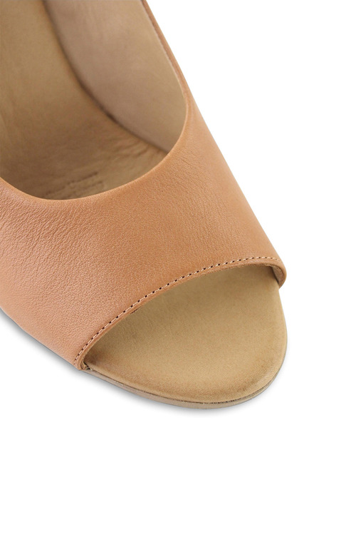 Bueno Xylon Dress Heel
