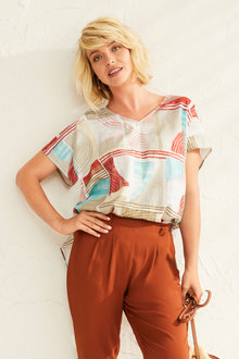 Capture Linen Poncho Top - 253357