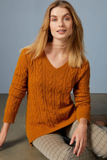 Capture Lambswool Cable V Neck Sweater - 256922
