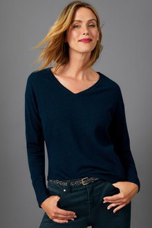 Capture Lambswool V Neck Sweater - 256923