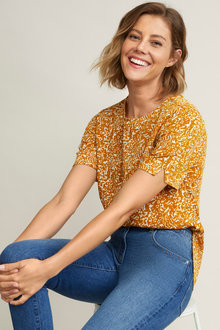 Capture Printed Shell Top - 257040