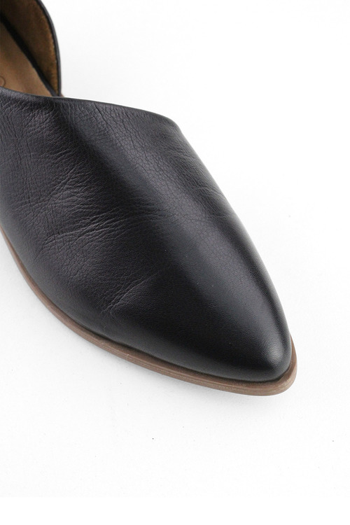 Bueno Lismore Flat Dress Shoe