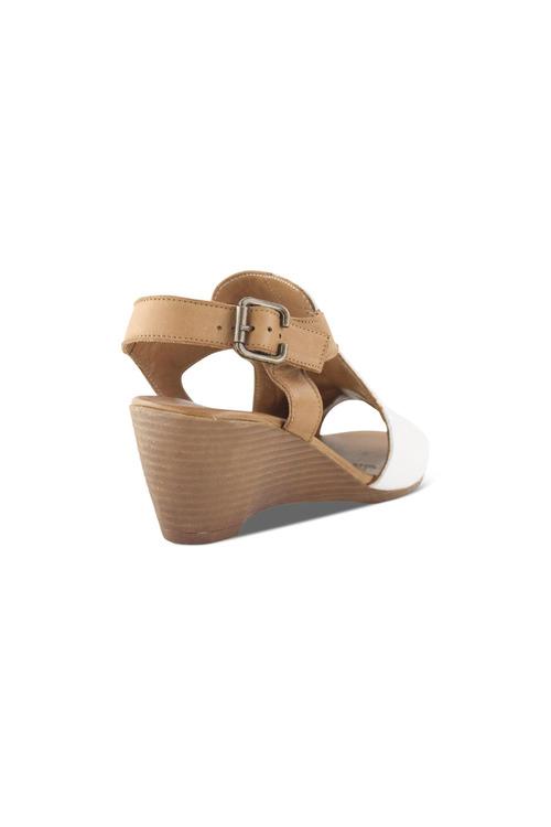 Bueno Wattle Mid Wedge Sandal