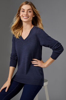 Capture Merino Classic V Neck Sweater - 257963