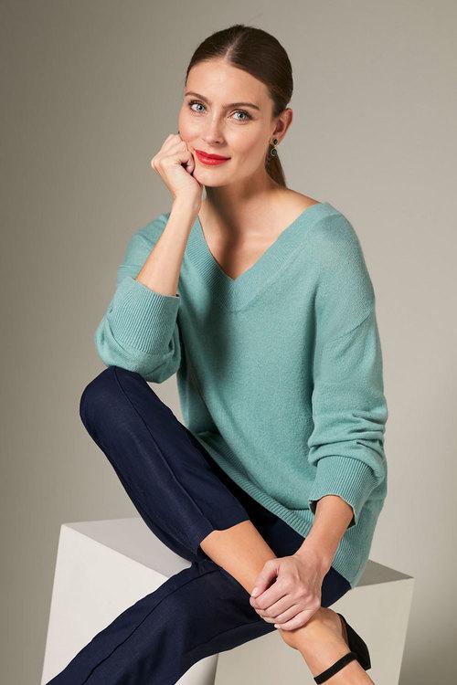 Grace Hill Cashmere Blend V Neck Sweater