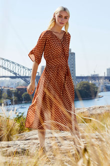Emerge Kimono Sleeve Midi Dress - 258506