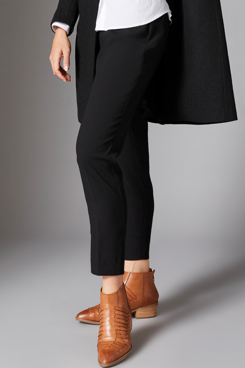 Capture Tapered Ankle Pant