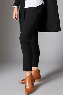 Capture Tapered Ankle Pant - 258534