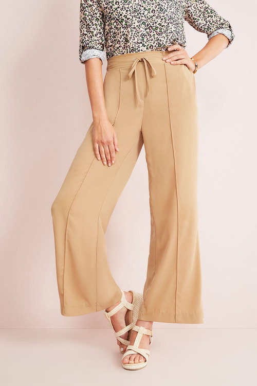 Capture Wide Leg Pull On Pant