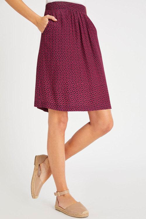 Capture Pull on Pocket Skirt