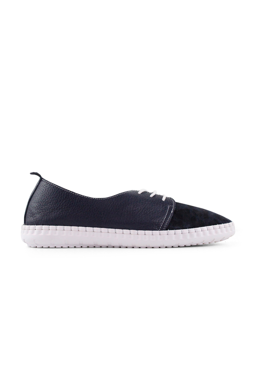 Bueno Libs Leather Sneakers