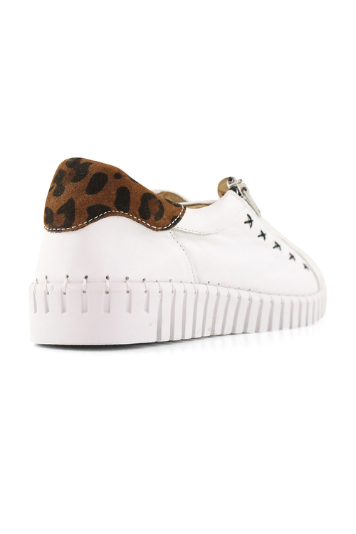 Bueno Olivia Leather Sneakers