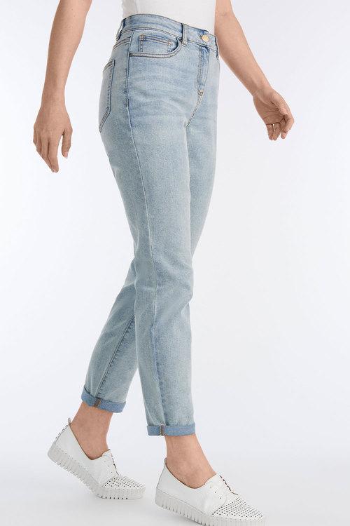 Capture Weekend Jeans
