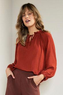 Emerge Textured Long Sleeve Blouse - 281609