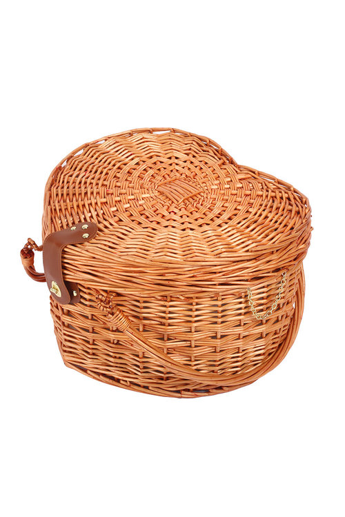 Sherwood Home Adelaide Heat-Shaped Wicker Picnic Basket 4 People
