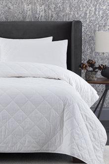 Dreamaker Lightweight Bamboo & Cotton Blend Quilt - 292618