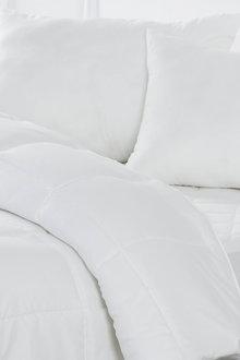 Dreamaker Bed In A Bag -(Quilt, Pillow, Mattress Protector) - 293076