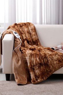 Dreamaker Faux Fur Heated Throw - 293156
