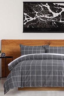 Dreamaker 250Tc Printed Cotton Sateen Quilt Cover Set Grid - 293182