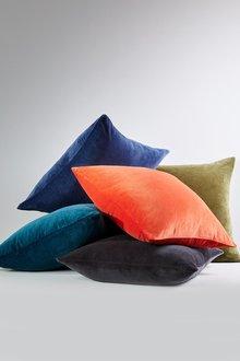 Windsor Velvet Cushion - 293402