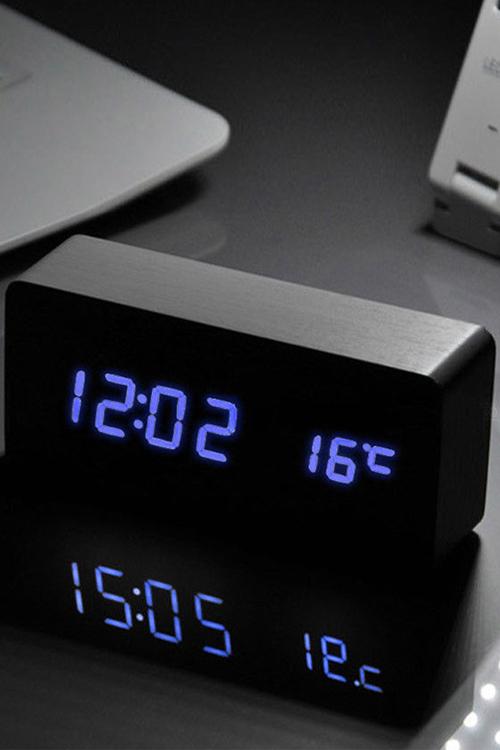 TODO Blue Led Wooden Alarm Clock Temperature Display