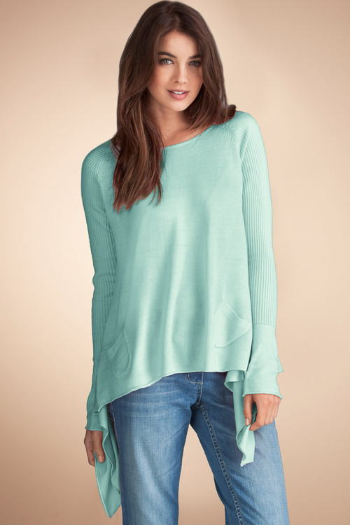 Emerge Weekend Curved Hem Sweater