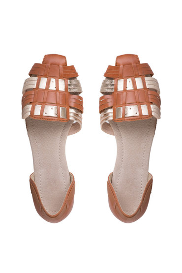 Capture Leather Woven Sandal