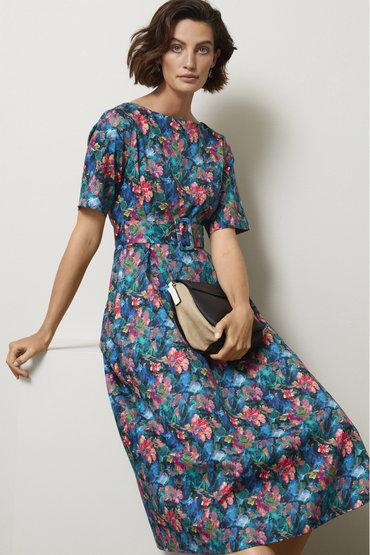 Elegant Florals - 2533712