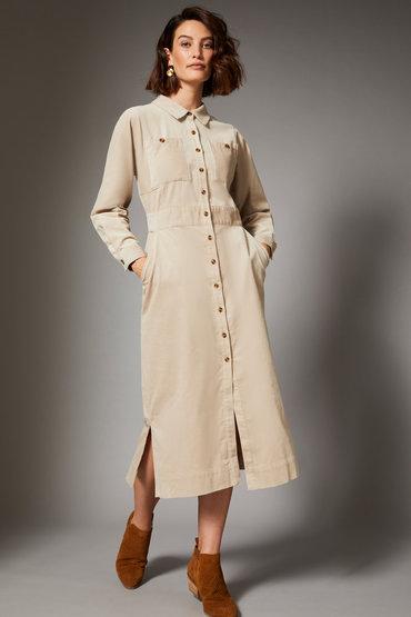 Fashion Savvy Trend - 2585651