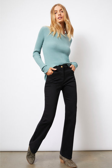 Classic Knitwear Features - 2540701