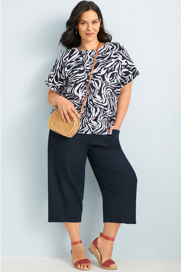 A Chic Contrast - 2527451