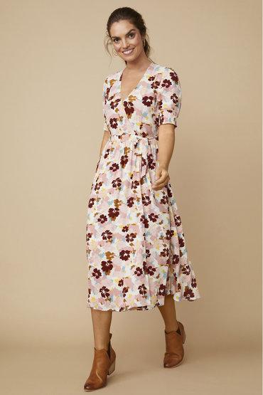 Moody Florals - 2489472