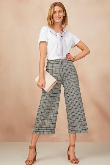 Tomboy-femme Style - 2408936