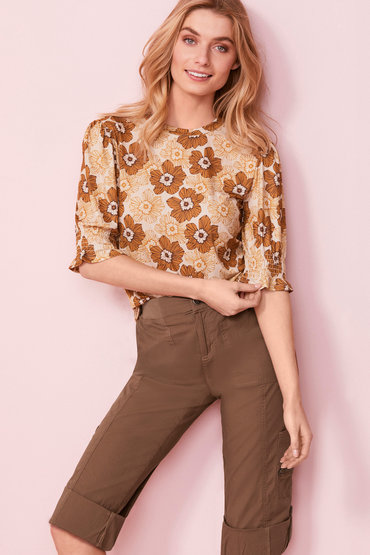 Chic and Comfy - 2476083