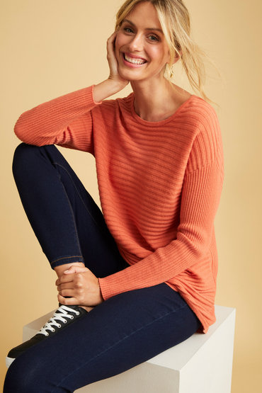 Relaxed Crew Shape - 2568581