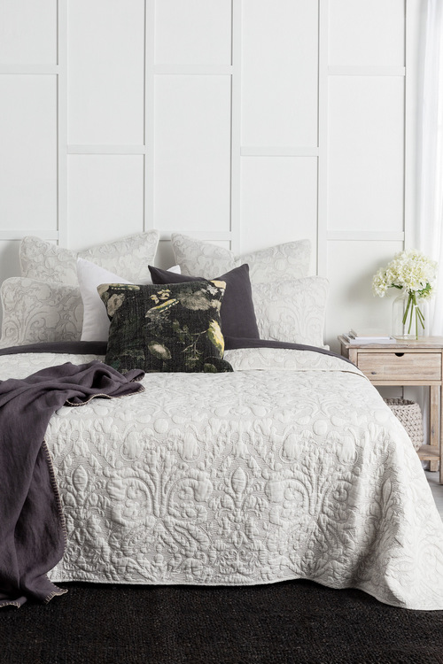Chateau Bedcover Set