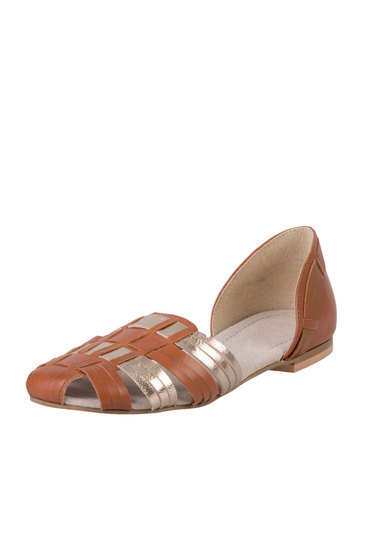 Capture Leather Woven Sandal
