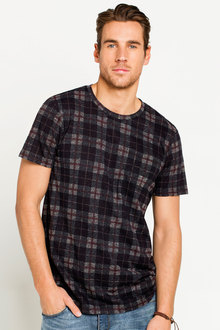 New Look Mens AOP Check Tee