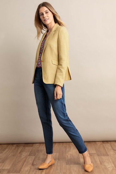 Classic with outfit - 2295024