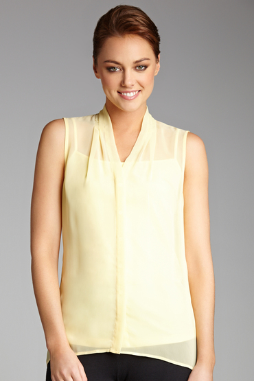 Capture Sleeveless Blouse